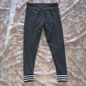 🧘🏼♀️ Adidas leggings 🧘🏼♀️